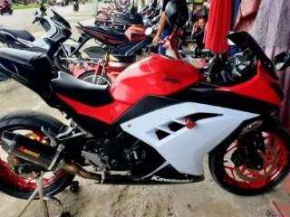 Ninja 250 FI ABS SE